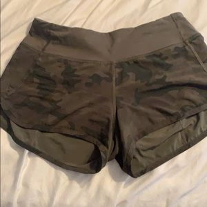 RARE lululemon camo speed short